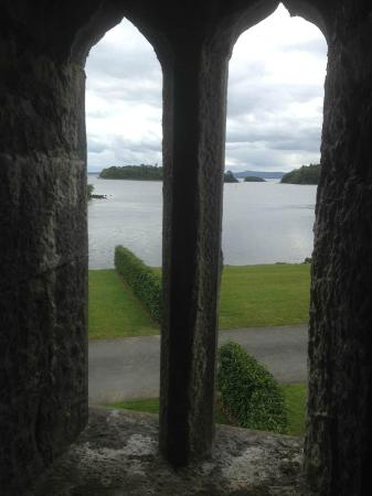 Oughterard, Irland: View at the castle