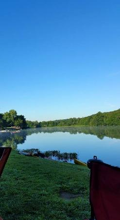 Odetah Camping Resort: The morning on the lake