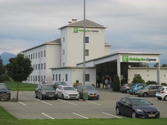 Holiday Inn Express Luzern Exterior View