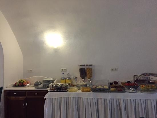 Nefeles Suites Hotel: Buffet colazione