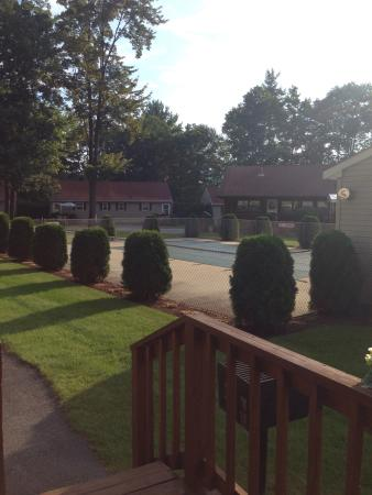 Country Cottages and Motel: photo1.jpg