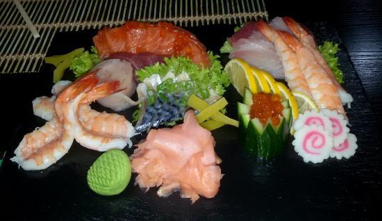 Shiro to Kuro - Sushi Club