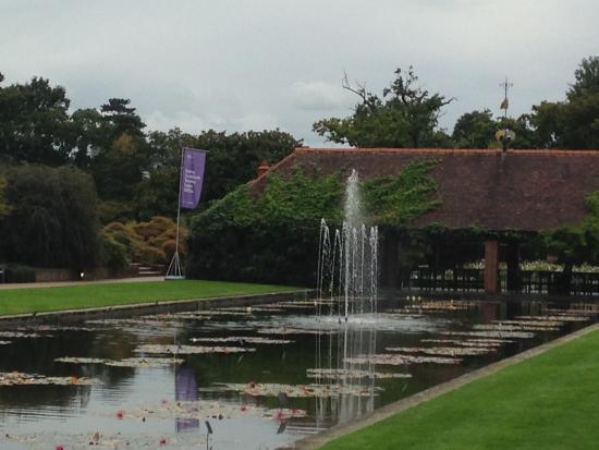 Rhs Garden Wisley Entrance