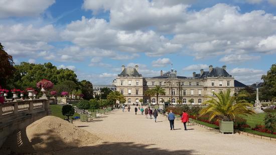 Parijs, Frankrijk: View toward Palace