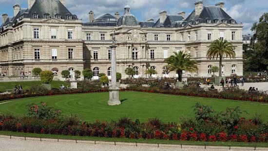 Parijs, Frankrijk: Back of Palace
