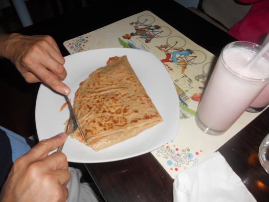 Luna de Miel Crepas : Wonderful shakes also