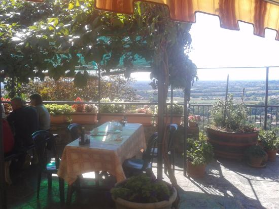 Beautiful Ristorante Montevecchia Terrazze Ideas - Idee Arredamento ...