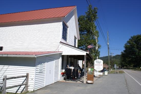 Valle Crucis, NC: Annex left side