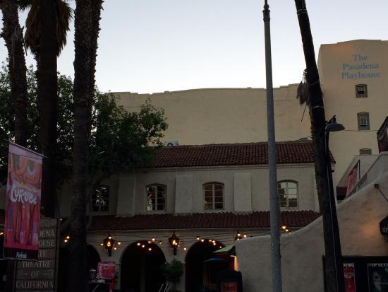 Pasadena Playhouse: front of theater