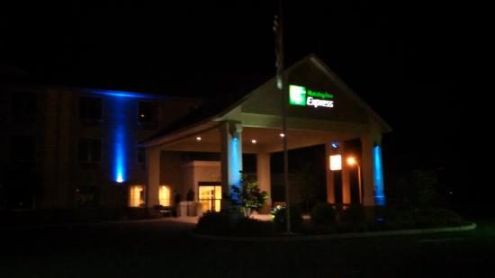 Holiday Inn Express Bloomsburg: 1 am Arrival