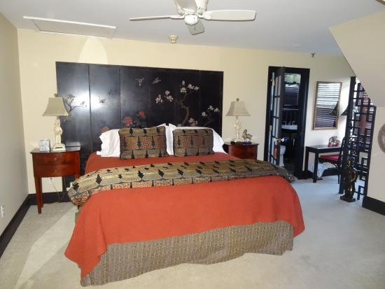 3rd floor, good-sized, Asian-themed room - Picture of The ...