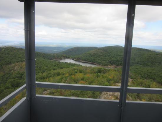 Mount Beacon Incline Railway: They say you can see CT and NJ