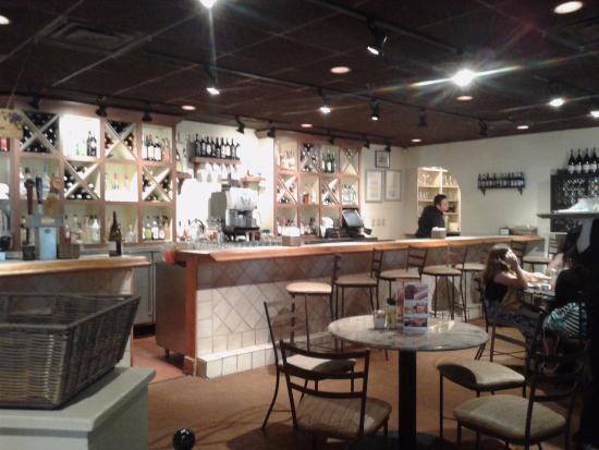 Olive Garden: Bar Counter
