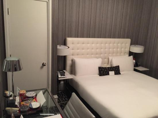 Pleasant Deluxe Room King Bed Picture Of Moderne Hotel New York Download Free Architecture Designs Rallybritishbridgeorg
