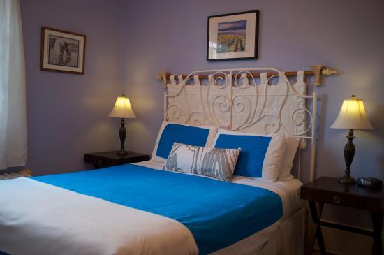Rideau Inn: guest room