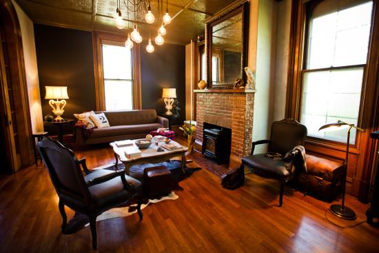 Made Inn Vermont An Urban Chic Boutique Bed And Breakfast Best Downtown Location