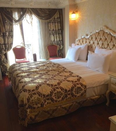 Deluxe Golden Horn Sultanahmet Hotel : Room with a view