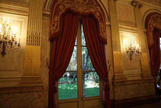 PARIS. Palais Bourbon. Assemblée Nationale. Galerie des Fêtes. Vue sur le jardin.