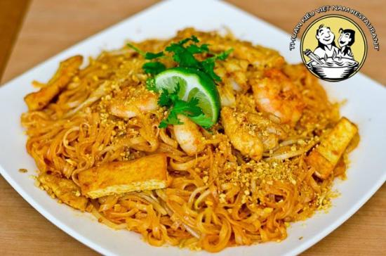 Thuan Kieu: 401 (Pad Thai) -  Yes, our portions are huge!