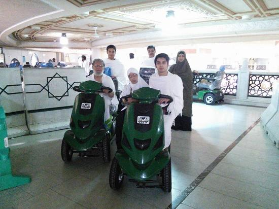 Grand Mosque: The battery-operated cars for doing Sa'ee. It's so comfortable and quick.