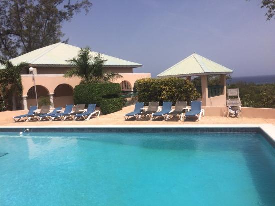 The Hotel Pool Picture Of Cardiff Hotel Spa Runaway Bay Tripadvisor