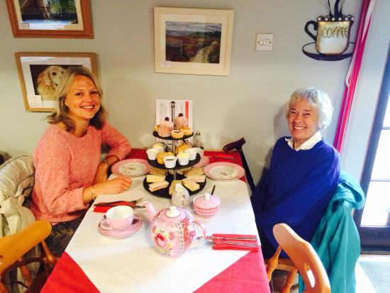 Brooke, UK: Our afternoon teas