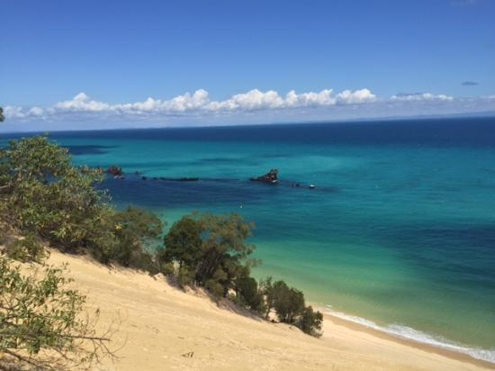 Tangalooma Island Resort: Climb a sand hill for this kind of view!