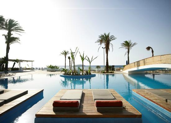 Ammades Epsilon Apartments: Swimming pool of Epsilon Ammades Apartments