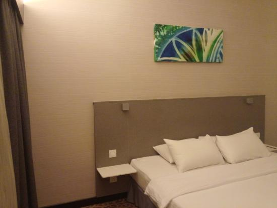 Crown Regency Serviced Suites : my room