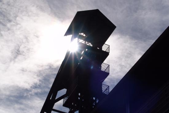 Le Bois du Cazier: Chassis à molettes du charbonnage
