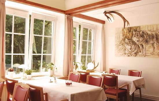 Rosengarten, Niemcy: Die Wolfshöhle im Wildpark-Restaurant