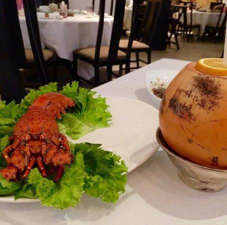 Long Feng: Best sea food ! Gotta love the service :)