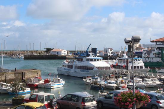 Atlantic Hôtel : Vue de notre chambre sur le port