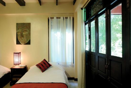 Maison de Sukhothai : twin bed room