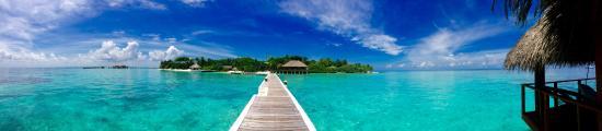 Eriyadu Island: la vista dal pontile di tutto l'atollo