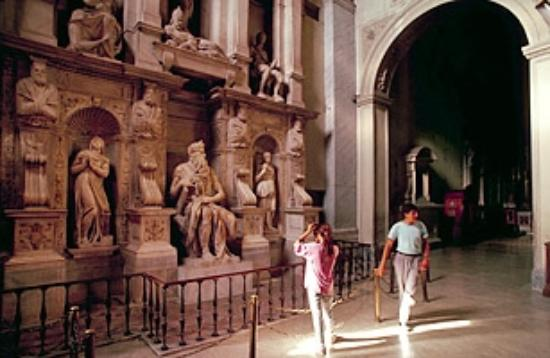 Bob's Limousines & Tours in Rome: St. Perers in Chains
