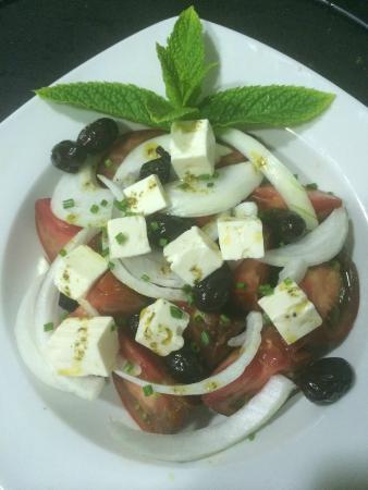El Olivo Tapas & Bar: ensalada de tomate 4,50€