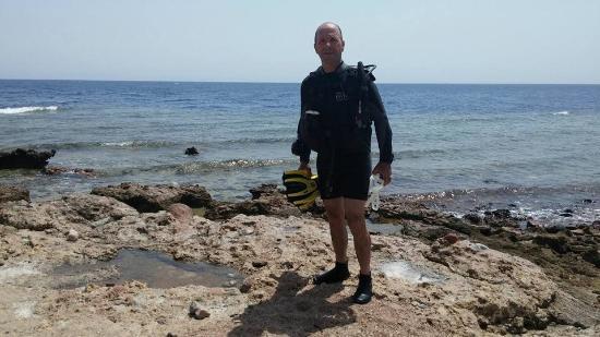 Sinai Divers Dahab: on the beach