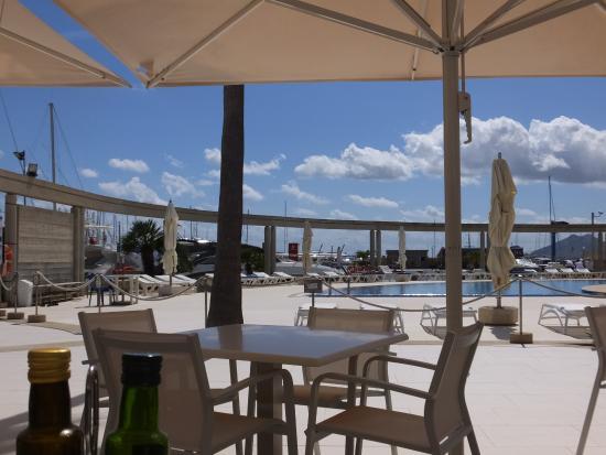 Reial Club Nautic Port de Pollenca Restaurante: Outside restaurant