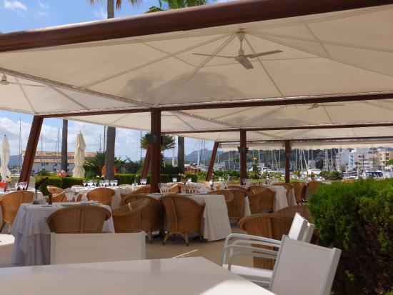 Reial Club Nautic Port de Pollenca Restaurante: Covered restaurant
