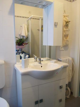 All'Ombra di San Pietro: bagno camera piccola