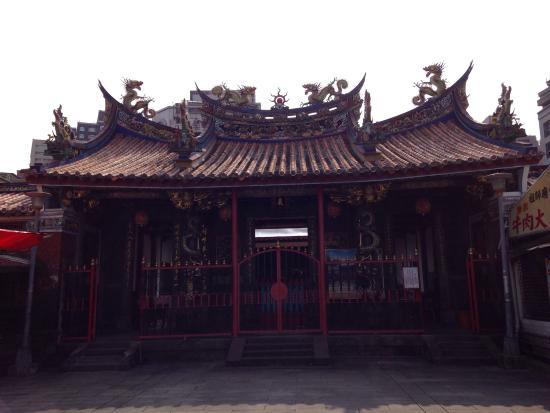 Mengchia Qingshui Temple: 清水巖祖師廟