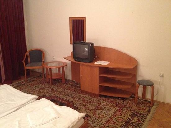 Club Aliga: room