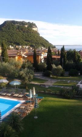 Hotel Villa Madrina: Superb views of Lake Garda