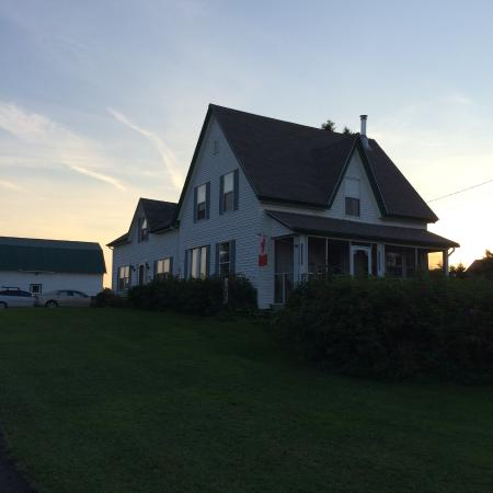 Lorneville, Kanada: Stuart House in the early evening