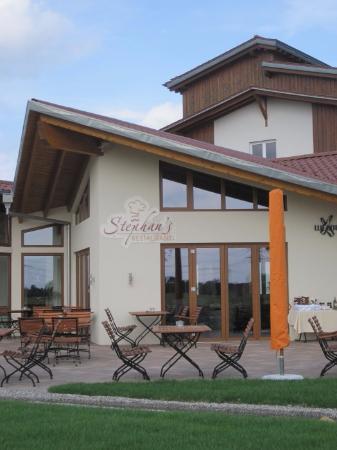 Stephan's Restaurant Eppelheim: Terrasse (ein kleiner Teil davon)