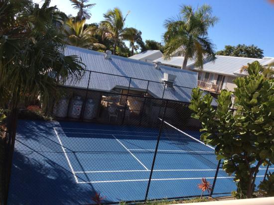 Pelican  Beach Resort : Tennis court