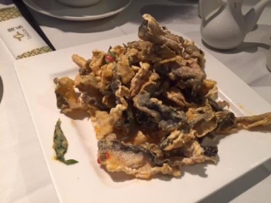 Tung Lok Seafood : Fried Fish Skin