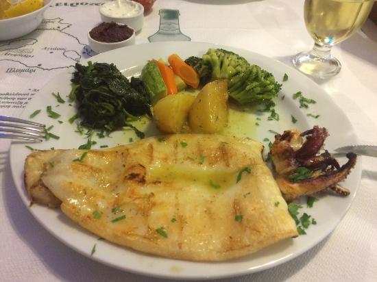 Psaropoula Fish Tavern: Calamari - YUM