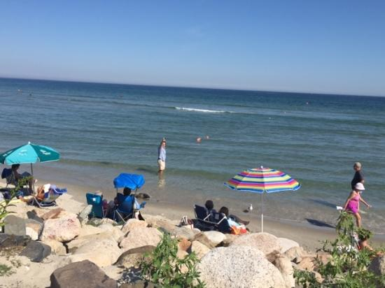 Captain's Quarters: Ogunquit beach